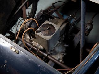 обои GWK 8HP Cyclecar мотор фото