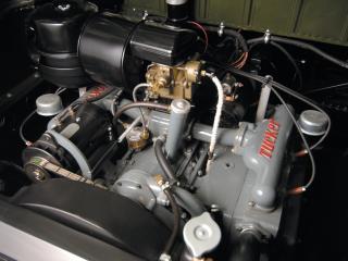 обои Tucker Sedan 1948 мотор фото