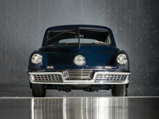 обои для рабочего стола: Tucker Sedan 1948 передок