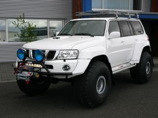 обои Arctic Trucks Nissan Patrol белая фото