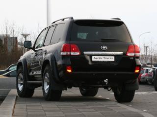 обои Arctic Trucks Toyota Land Cruiser 200 черный зад фото