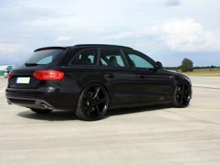обои AVUS Performance Audi A4 Avant Black Arrow черный сбоку фото