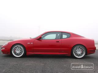обои Cargraphic Maserati 4200GT сбоку фото