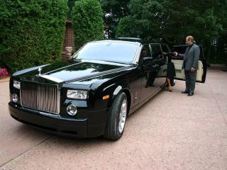 обои Genaddi Design Rolls Royce Phantom водитель фото
