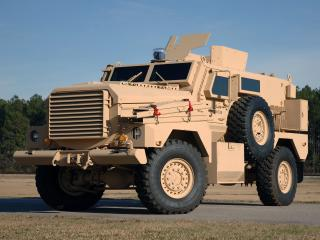 обои Cougar 4x4 MRAP бок фото