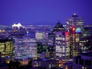 обои Ночной вид города и гор фото