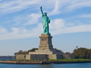 обои Статуя свободы на острове фото