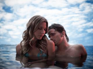 обои Печальная пара в воде фото