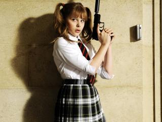 обои Chloe Moretz as Hit Girl in Kick Ass пистолет фото
