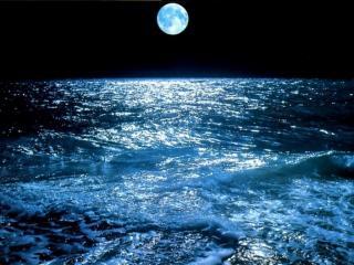 обои Лунная дорожка в море фото