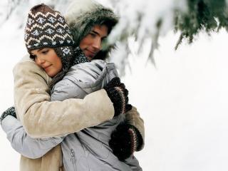 обои Влюбленная пара зимой фото