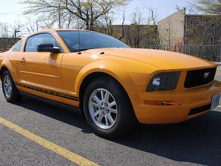 обои Yellow форд Mustang фото