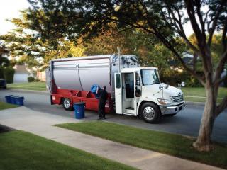 обои Hino 338 Refuse Truck мусор фото