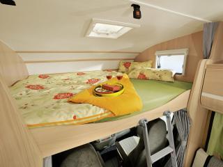 обои Sunlight A58 кровать фото