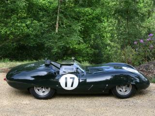 обои Lister-Jaguar Costin Roadster сбоку фото
