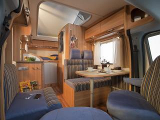 обои Hymer Van внутри уютно фото