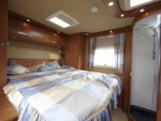 обои Carthago Opus 5.6Q кровать фото