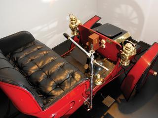 обои для рабочего стола: Crestmobile Model D 2-passenger Runabout внутри