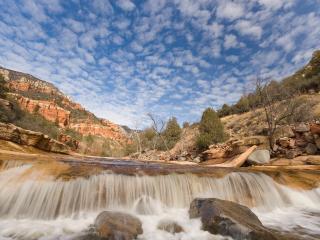 обои Водопад и голубое небо фото