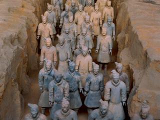 обои Множество памятников людям фото