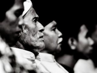 обои Старики-мусульмане на совете фото