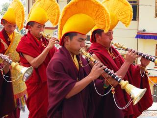 обои Тибетские монахи-музканты фото
