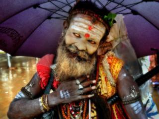 обои Индийский йог под зонтиком фото