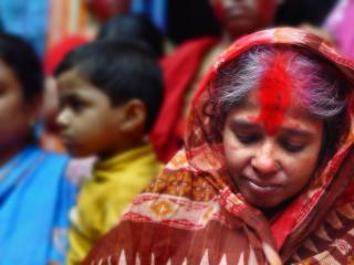 обои Старая индиянка и дети фото