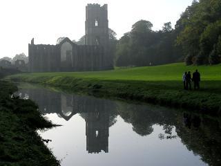 обои Река с замком фото