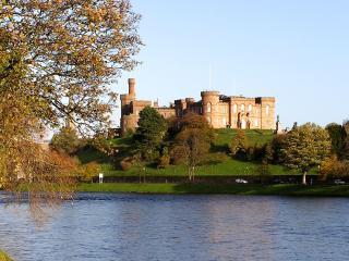 обои Замок у озера фото