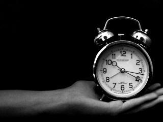 обои Часы,   будильник на руке фото