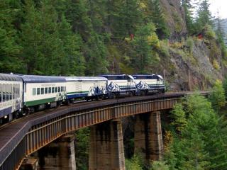 обои Поезд,  вагоны,  лес,  поворот,  мост фото