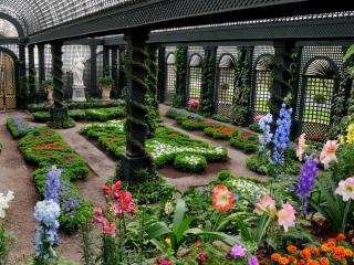 обои для рабочего стола: Зеленый парк с цветами