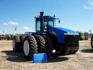 обои New Holland T9050 перед фото