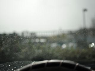 обои Дождь за окном автомобиля фото