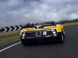 обои Pagani Zonda F 2005 желтая фото