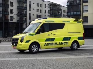 обои Tamlans Volkswagen Crafter Ambulance сбоку фото