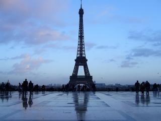 обои Самая известная фотография Эйфелевой башни фото