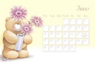 обои Календарь - 2013 Июнь - Мишка с фиолетовыми цветами фото