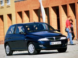 обои Lancia Y 1996 синяя фото
