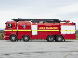обои Rosenbauer Scania R480 ILF 8200-5000 HRET 2009 бок фото