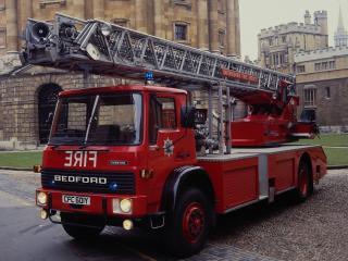обои Bedford TL 1630 Firetruck 1980 перед фото