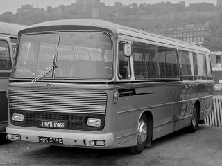 обои Bedford VAM14 MCW Metropolitan (C45F) 1967 перед фото