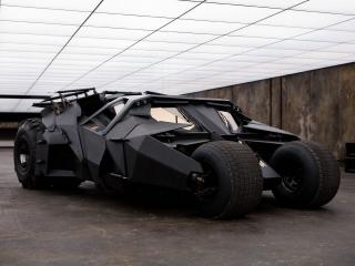 обои Batmobile the Tumbler 2005 сбоку фото
