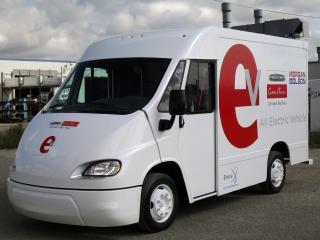 обои Enova AEV by Freightliner Custom Chassis & Morgan Olson 2010 перед фото