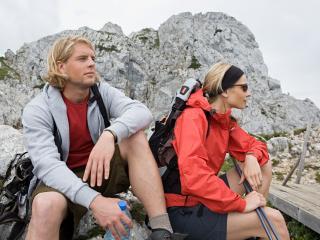 обои Немецкие альпинисты на привале фото