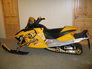 обои Ski-Doo MXZ 600 HO sdi желтый фото