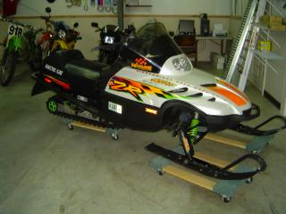 обои 1998 Arctic Cat ZR600 сбоку фото