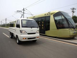 обои 2008 Miles ZX40ST и трамвай фото