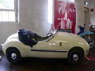 обои 1957 Brutsch V2 сбоку фото
